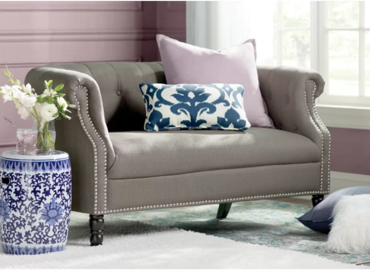 Couch in grey