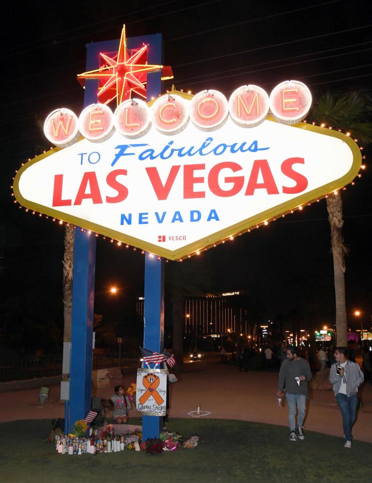 Image: Las Vegas Mourns