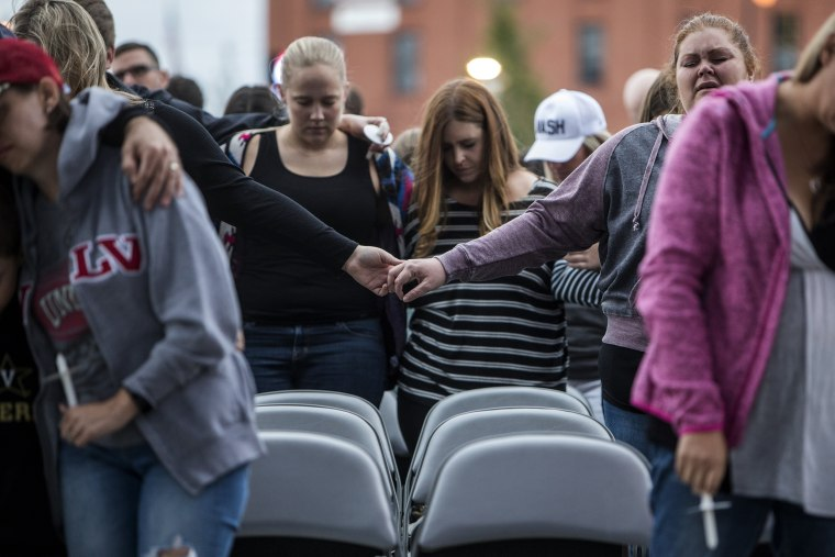 Image: Nashville Hosts Vigil In Memory Of Victims Of Las Vegas Shooting Massacre