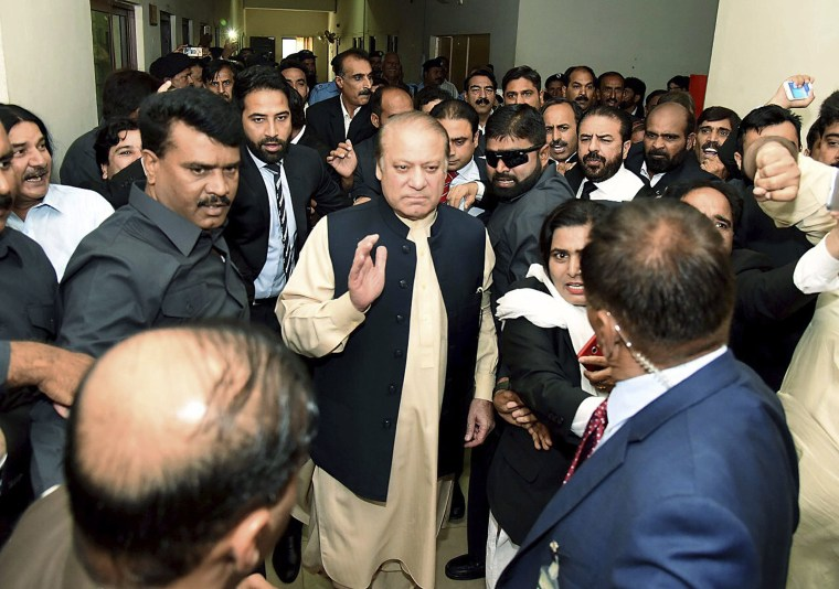 Image: Deposed Prime Minister Nawaz Sharif In Court