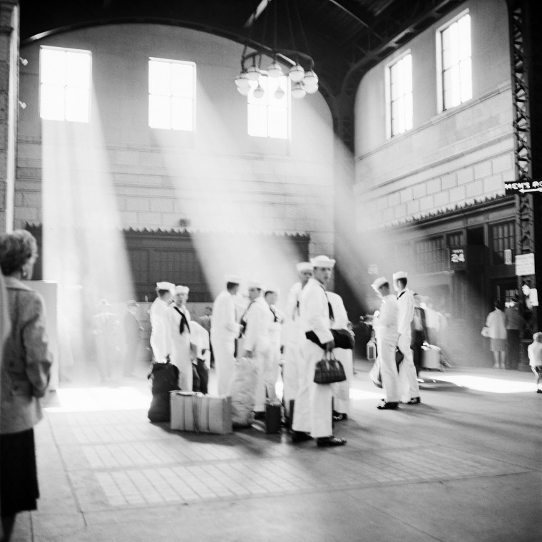 Image: Sailors stand in Chicago's Union Station, 1961.