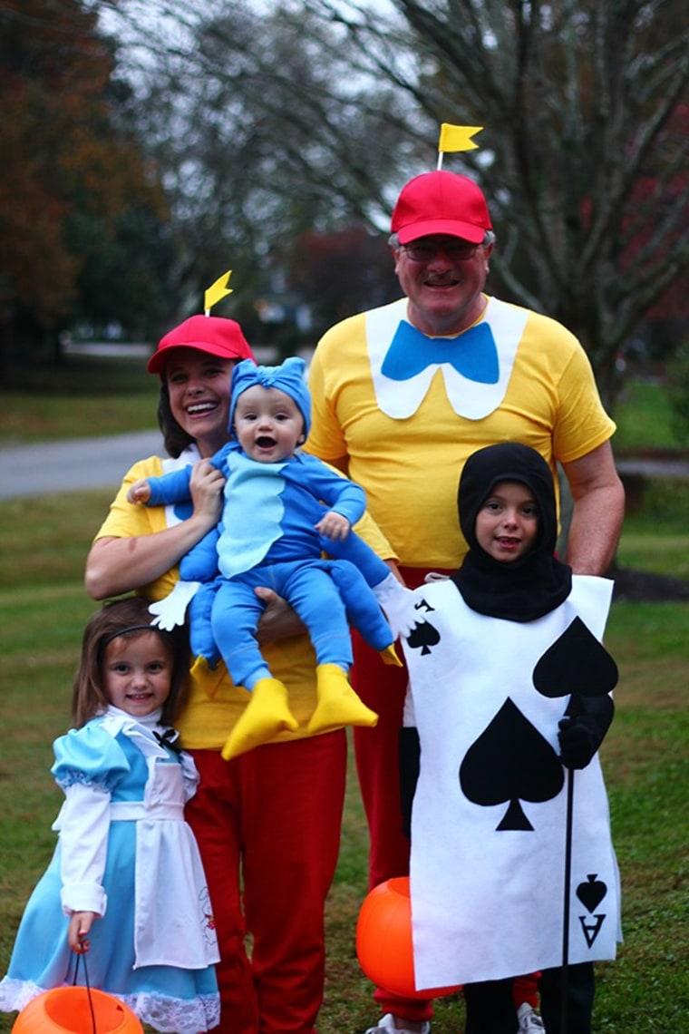 Alice In Wonderland Halloween Costume Family.Easy Diy Family Halloween Costume Alice In Wonderland