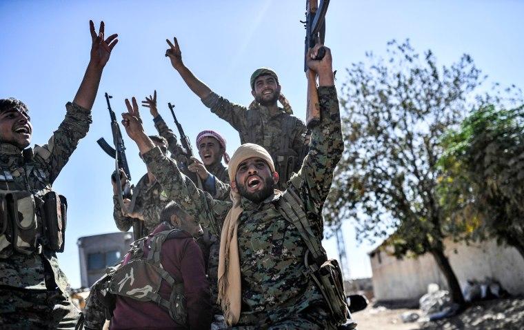 Image: TOPSHOT-SYRIA-RAQA-CONFLICT