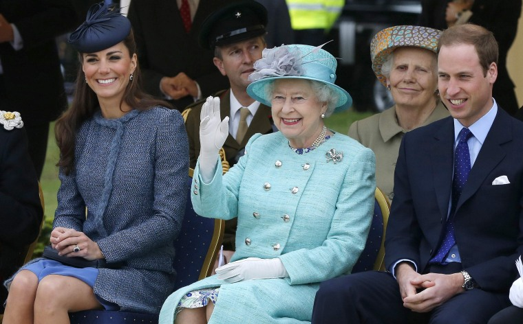 Image: Queen Elizabeth II and The Duke And Duchess Of Cambridge Visit The East Midlands