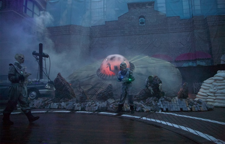 'Invasion!' scare zone at Halloween Horror Nights.