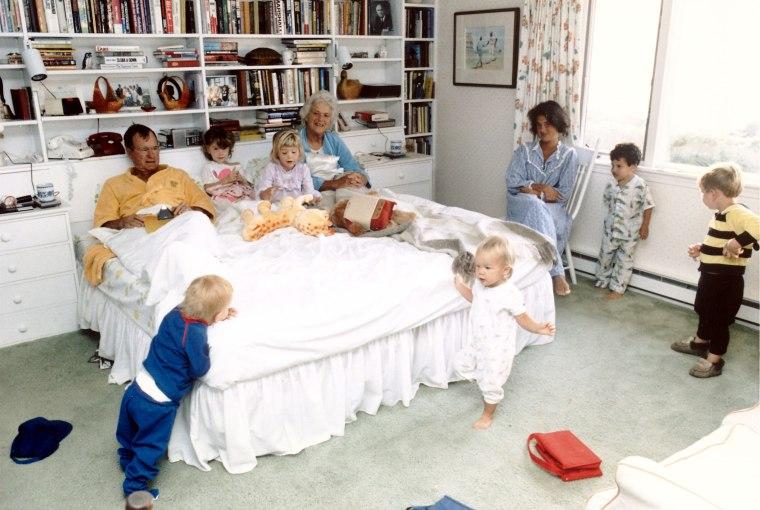 Sam Leblond;George H. W. Bush [& Family];Pierce Bush;John E. Jr. Bush;Jenna Bush;Marshall Bush;Barbara Bush
