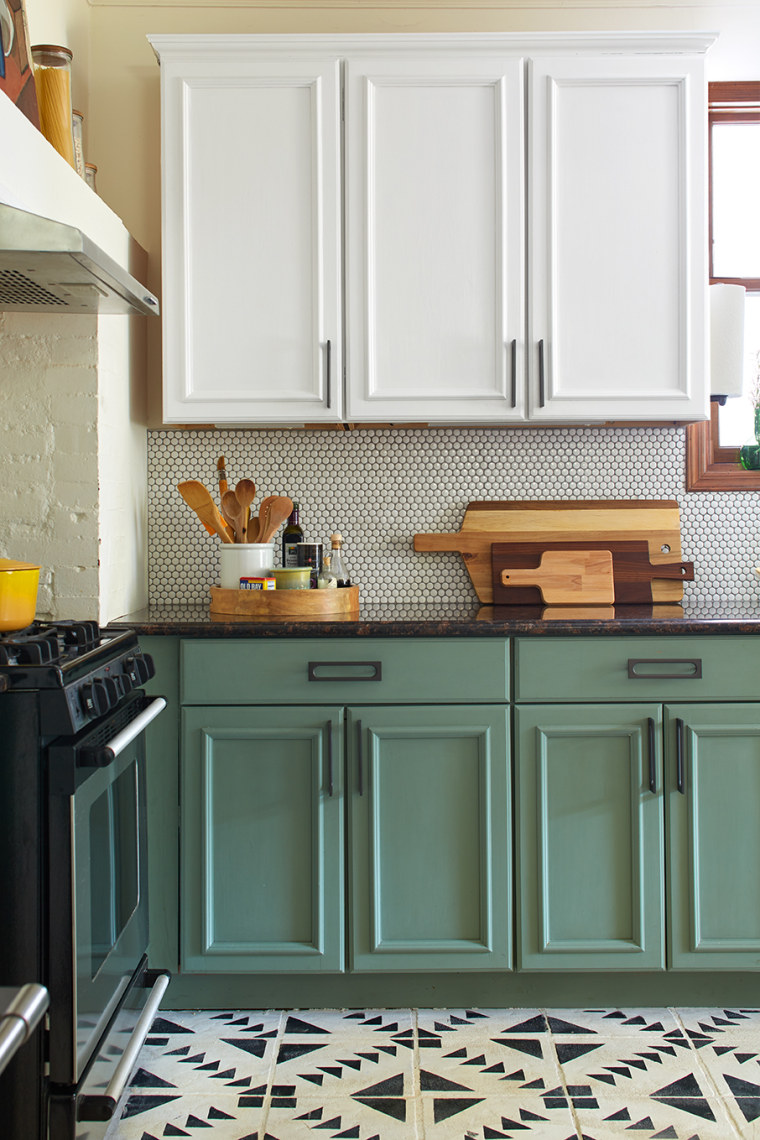 Chalk paint kitchen cabinet makeover