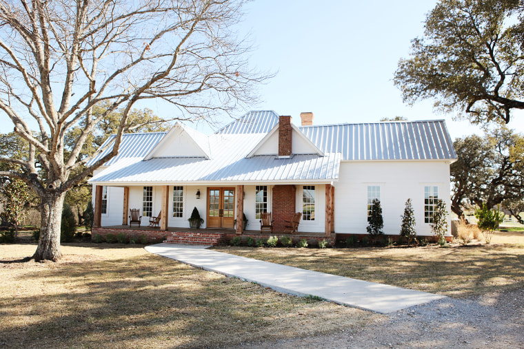 Chip and Joanna are not moving away from their farmhouse.