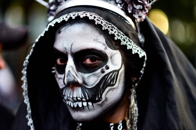 Image:MEXICO-PARADE-CATRINA