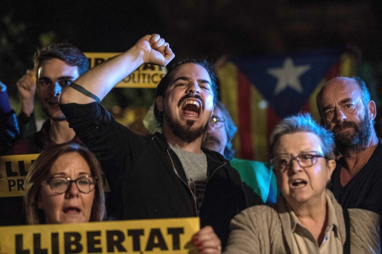Judge in Spain Jails 9 Catalan Ministers, Mulls Arrest of Leader