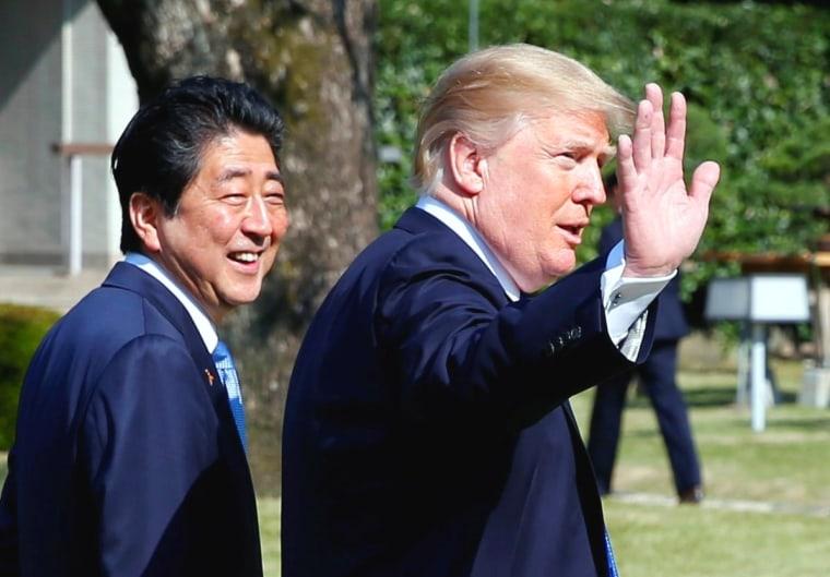 Image: Shinzo Abe and Donald Trump