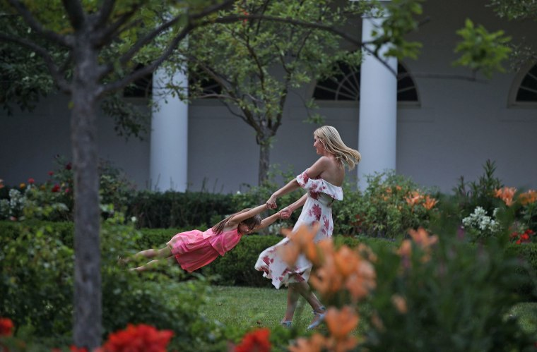Image: President And Mrs Trump Host Congressional Picnic At The White House