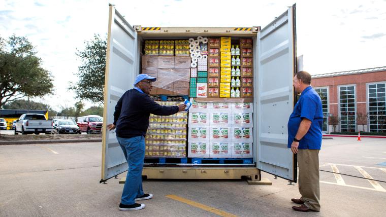 Al Roker's Lend a Hand in Texas