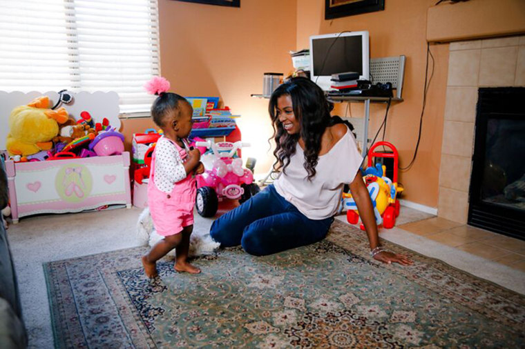Image: Jasmine Simon and her daughter