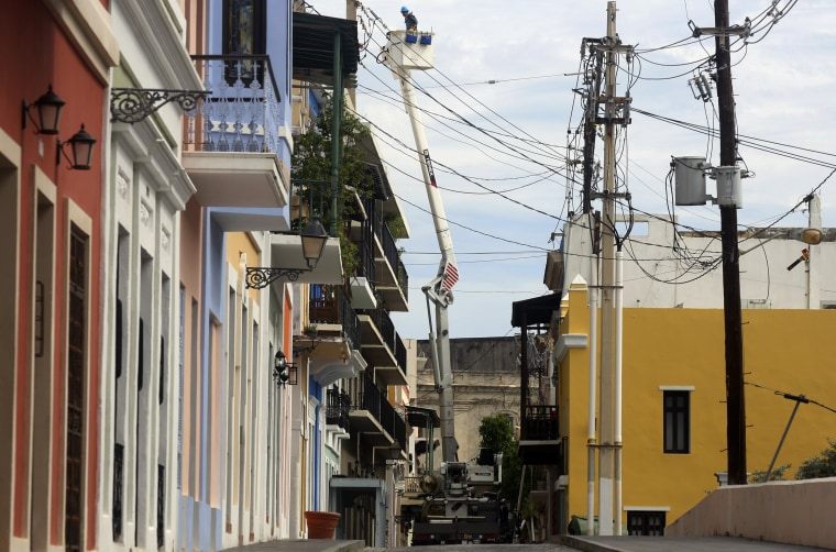 Image: A new fault reduces the generation of electricity in P.Rico after hurricane