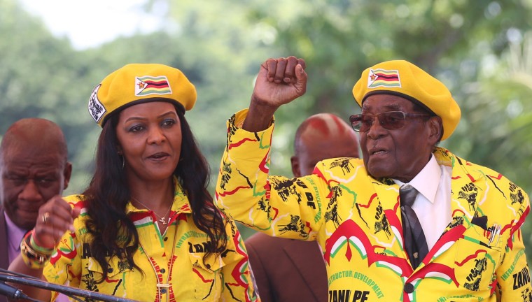 Image: Zanu PF supporters hold solidarity rally for President Robert Mugabe