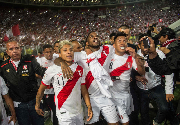 Image: Peru celebrates after qualifying for the World Cup