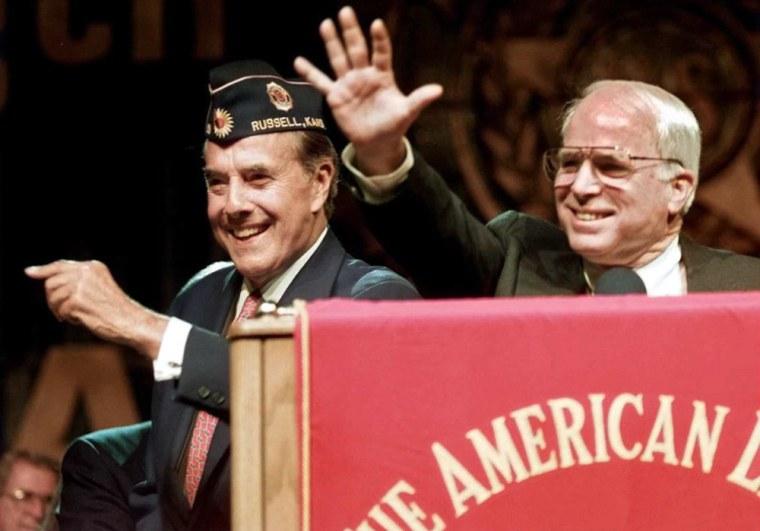 Image: US Republican presidential candidate Bob Dole (L)