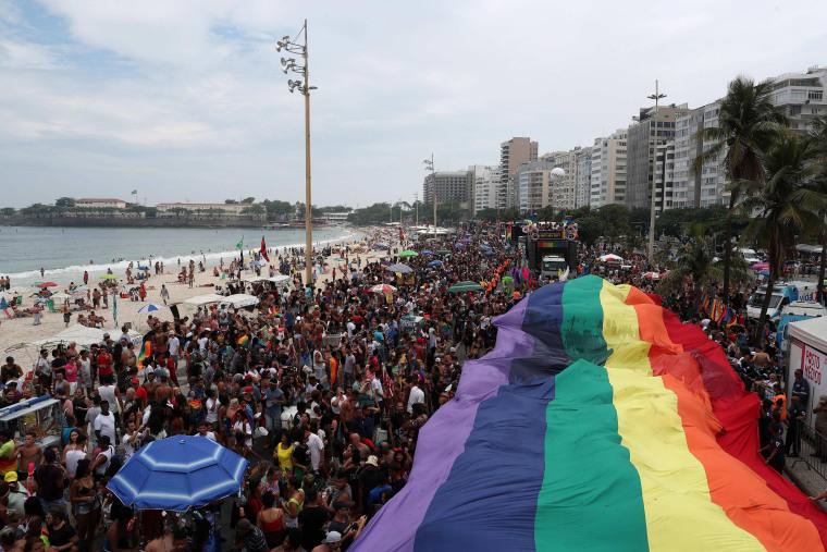 Image: 22nd Gay Pride Parade in Rio de Janeiro