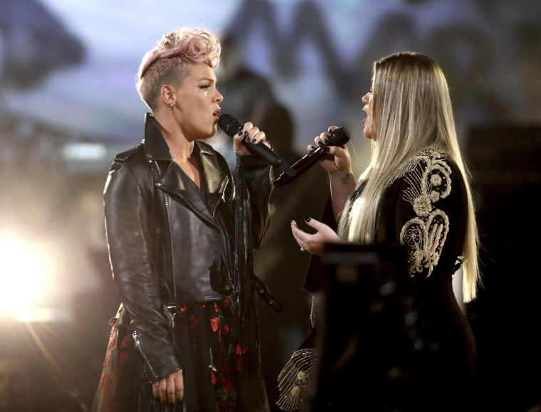 Image: Pink, Kelly Clarkson
