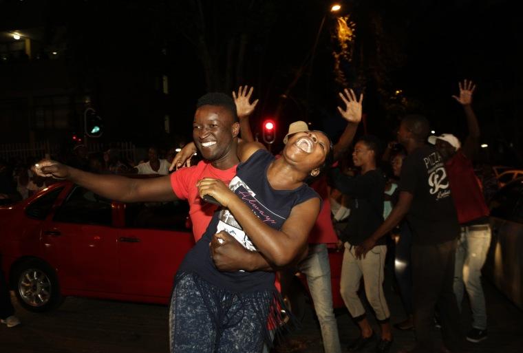 Image: Zimbabweans celebrate
