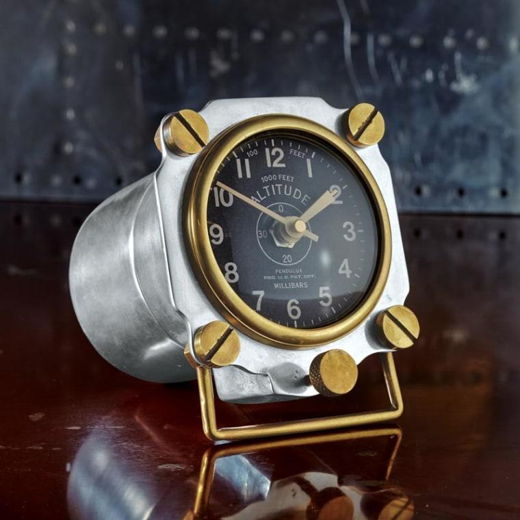 Image: Altimeter clock