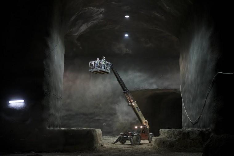 Image: Uderground burial in Jerusalem