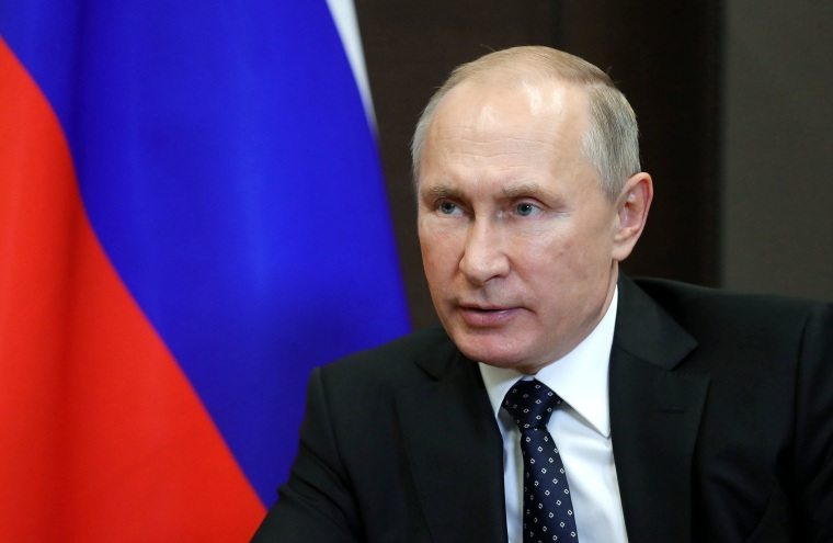 Russian President Vladimir Putin Signs Bill Targeting U S And Foreign Media