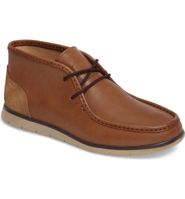 UGG Hendrickson Chukka Boot