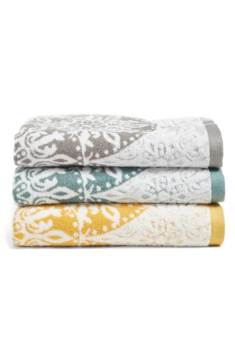 Nordstrom at Home Fan Ombre Jacquard Bath Towel