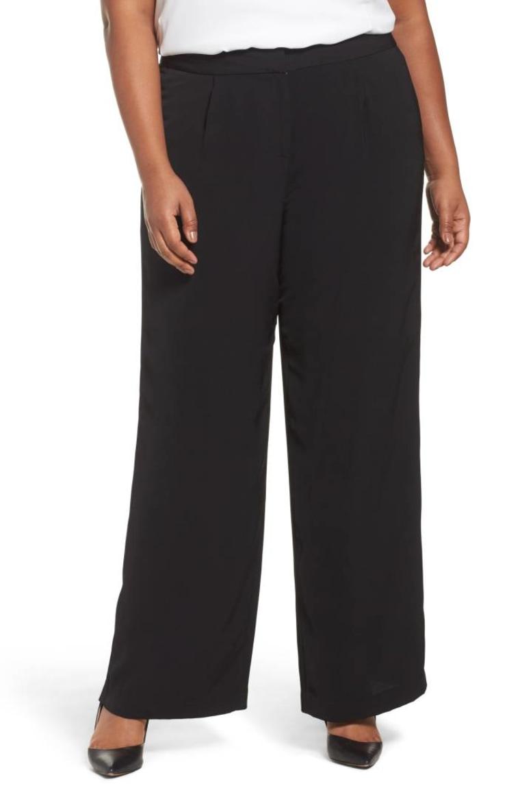 Wide legged plus size pants in black