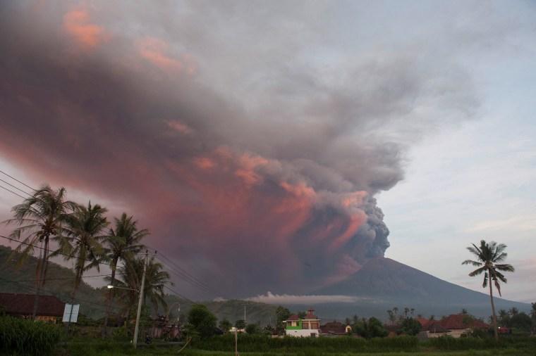 Image: Mount Agung Erupting