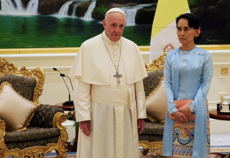 Image: Pope Francis meets Aung San Suu Kyi
