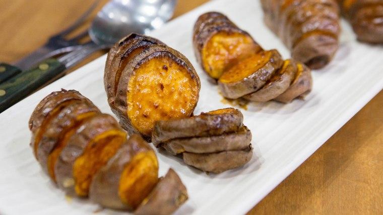 Bobby Flay S Spicy Maple Hasselback Sweet Potatoes Recipe