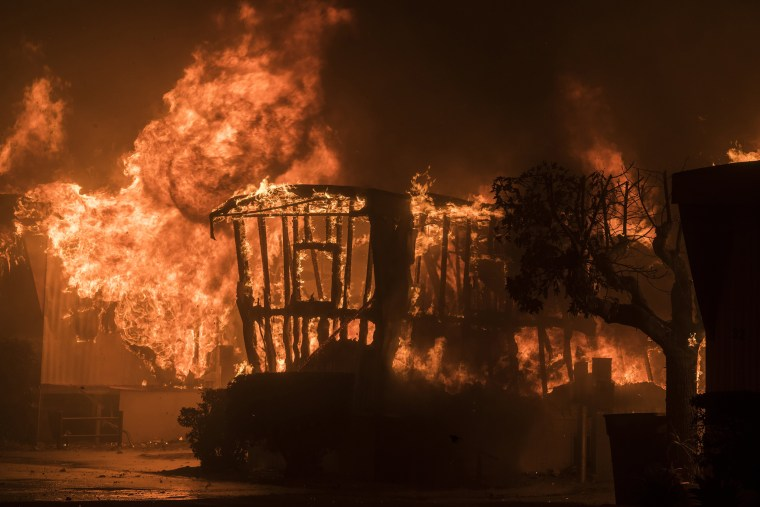 Image: Thomas fire burns in Ventura County California
