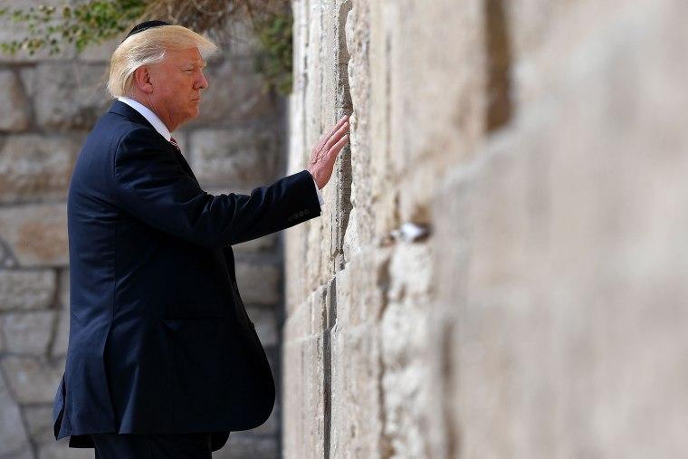 Image: DOnald Trump at Western Wall