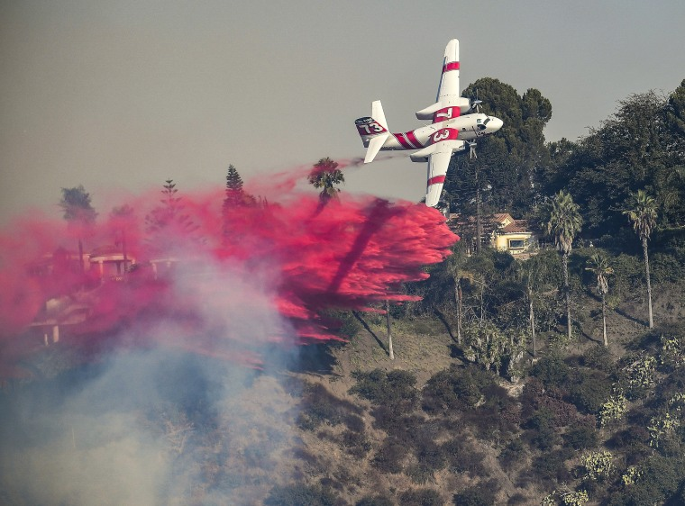 Image: Skirball fire burns in Bel-Air California
