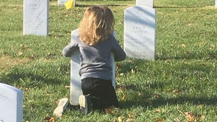 Brothers visit dad's grave at Arlington