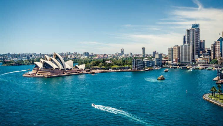 United Airlines giving away free tickets to Sydney, Australia
