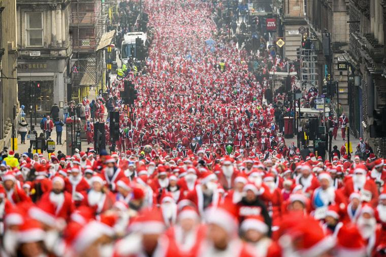 Image: Santa Dash In Glasgow
