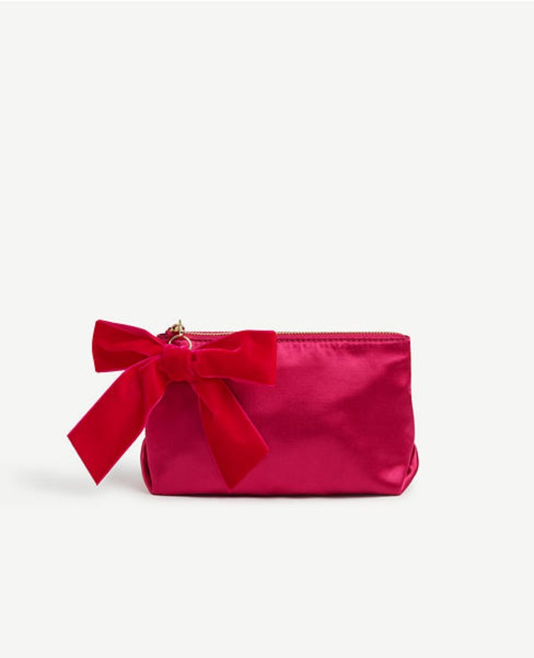 Cosmetics bag in red