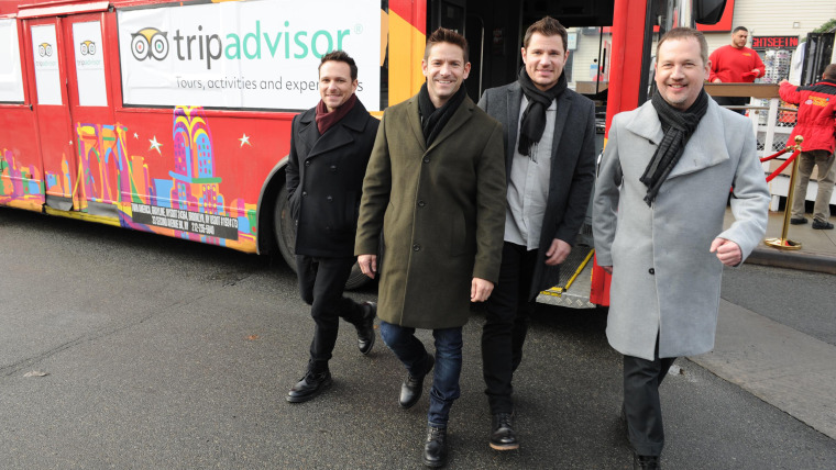 TripAdvisor Surprised Tour-Goers With a Special Holiday Serenade by 98 Degrees