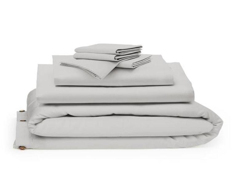 Bedding bundle in dove grey