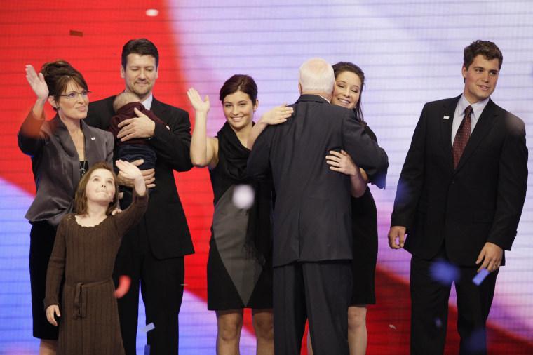 Image: Sarah Palin, Todd Palin, Bristol Palin, Willow Palin, Piper Palin, Trig Palin, Levi Johnston