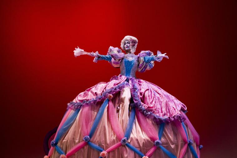 Image: A dancer performs in Santo Domingo on Dec. 13.