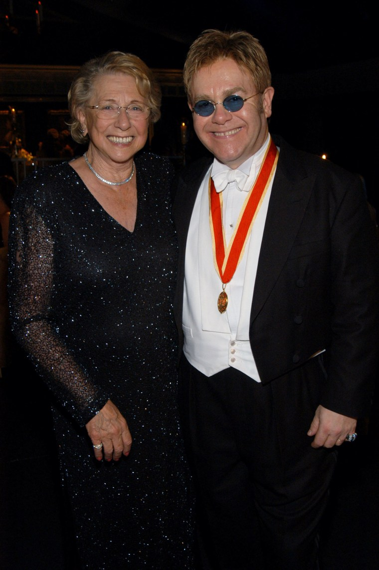 The Fifth Annual White Tie & Tiara Ball to Benefit the Elton John Aids Foundation in Association with Chopard - Dinner