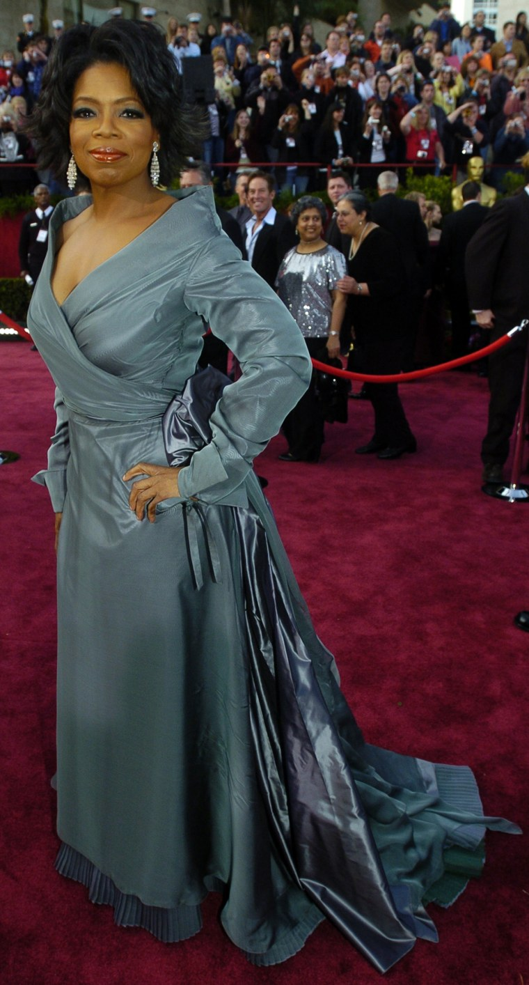 Television host Oprah Winfrey arrives for the 76th annual Academy Awards Sunday, Feb. 29, 2004, in Los Angeles. Winfrey will be a presenter during the telecast.  (AP Photo/Chris Pizzello)