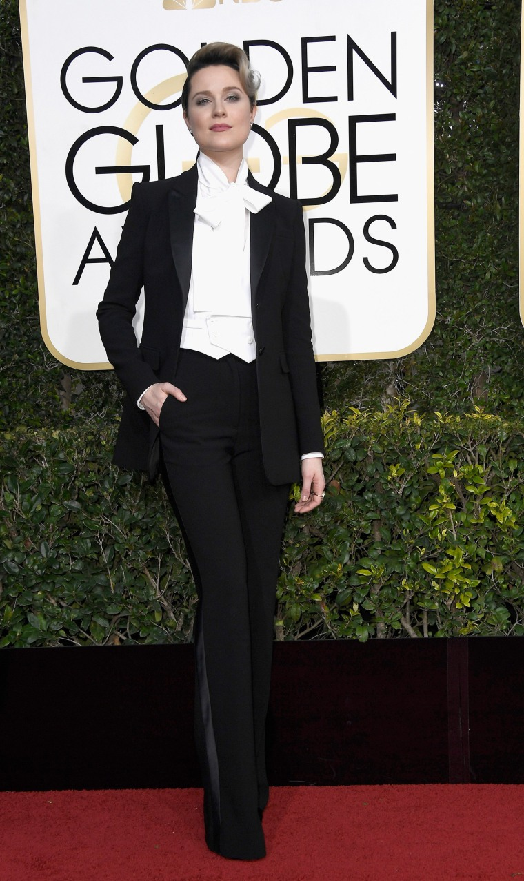 Image: 74th Annual Golden Globe Awards - Arrivals