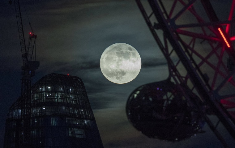 Image: Supermoon in London