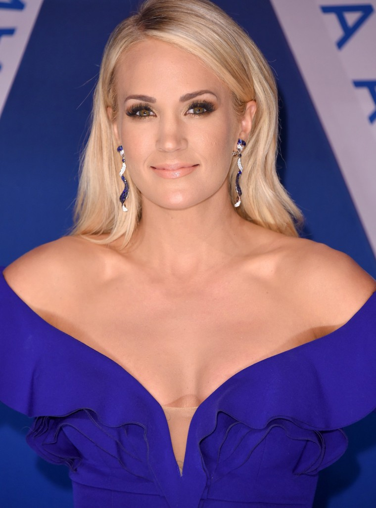 Image: The 51st Annual CMA Awards - Arrivals